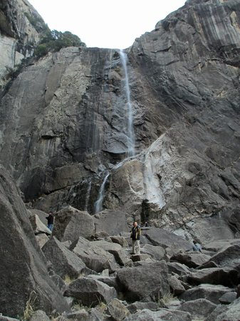 Yosemite Valley Lodge: Lower Yosemite Falls is a trickle this year.
