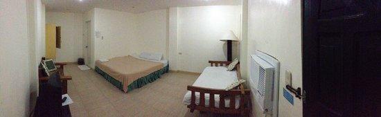 Grand Blue Beach Hotel: 106Aはとても広いお部屋でした♪