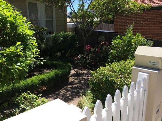 Myrtle Cottage Bed and Breakfast : garden