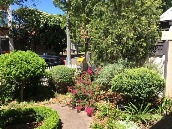 Myrtle Cottage Bed and Breakfast: garden