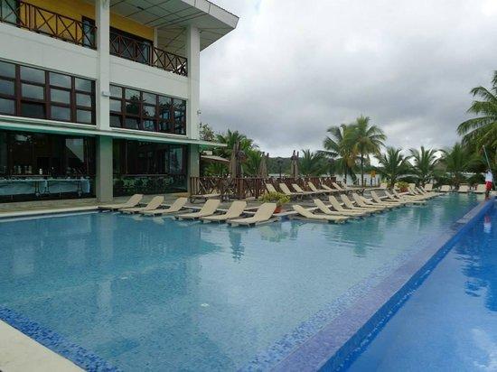 Playa Tortuga Hotel & Beach Resort: piscina