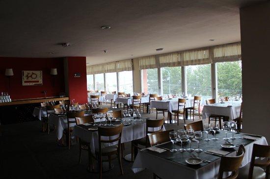 Hotel Canal Beagle: Desayunador y Restaurant