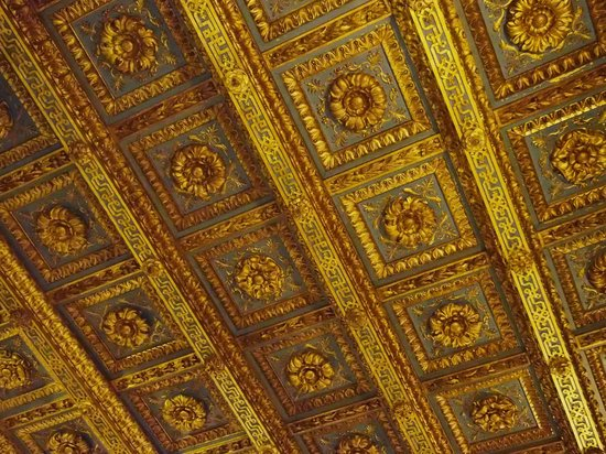 The Town House: impressive ceiling
