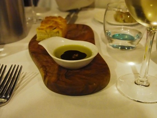 The Town House: bread was delicious