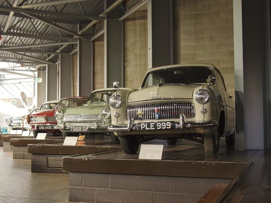 Beaulieu National Motor Museum : old family models