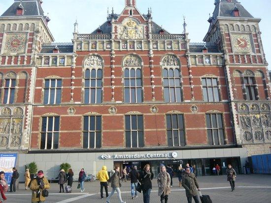 Hauptbahnhof: Estación Central Amsterdam (Enero 2014)