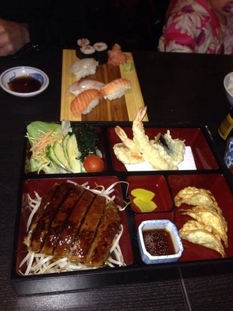 Leigh, UK: koi's steak bento box