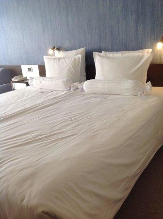 Grand Hotel Plovdiv : Bett