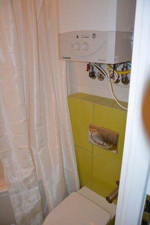 Club Apartments & Rooms: Ванная комната