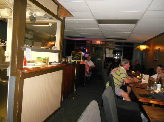 Mi's Italian Bistro : From the back to front entry. Small and Intimate