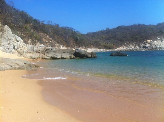 Secrets Huatulco Resort & Spa: virgin beach