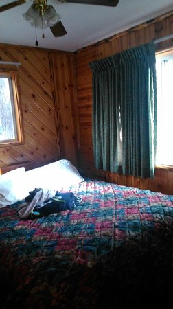 Big Bear Frontier: Room