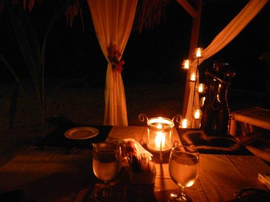 Siladen Resort & Spa: romantic dinner