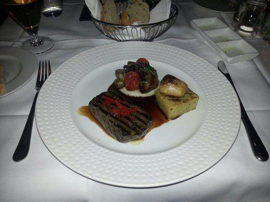 Lofoten Fiskerestaurant: The whale...
