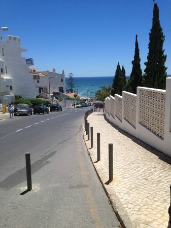 Apartamentos Soldoiro: The street the hotel is located on, also the street down to the beach and up tp the strip.