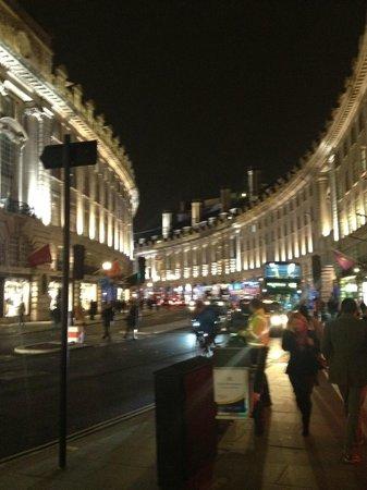 Regent Street: regent st by night