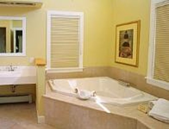 Palmer House: King Suite Jacuzzi
