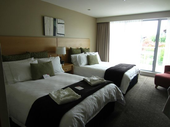 Crowne Plaza Queenstown : Our room