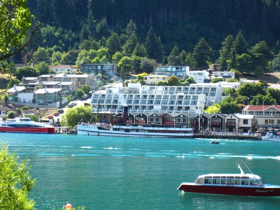 Crowne Plaza Queenstown : View of hotel from across the lake