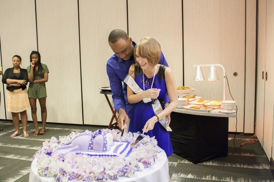 Embassy Suites by Hilton Orlando Downtown: Ahsha Marie Baby Shower - cake cutting