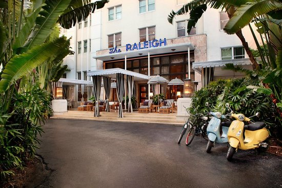 The Raleigh Miami Beach: The Raleigh Exterior