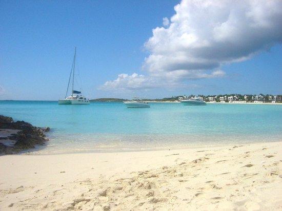 Maundays Bay: Boats docked in the bay