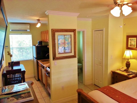 Tropical Beach Resorts : Upgraded in-room amenties