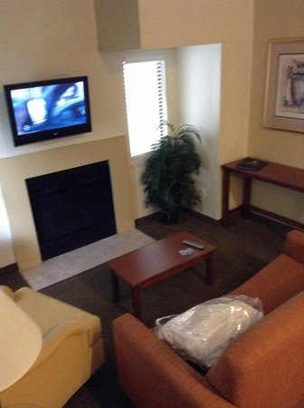 Chase Suite Hotel- Tampa: Living Room
