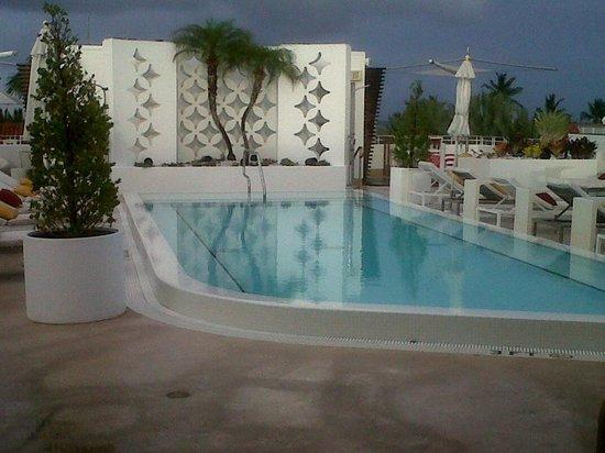 Dream South Beach: area de piscina
