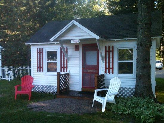 Rose Eden Cottages: Cottage 6