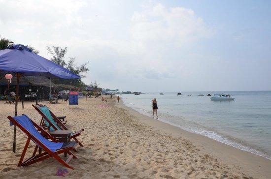 Lien Hiep Thanh Resort: spiaggia