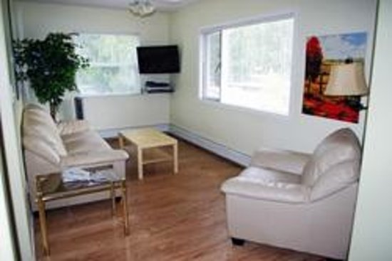 Totem Motel & Resort: Suite #2 - Two-bedroom - Up to 4 Guests