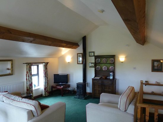 Pear Tree Cottages: Comfy place to relax
