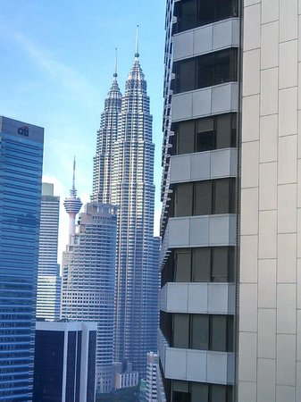 DoubleTree by Hilton Kuala Lumpur : Towers from Double Tree