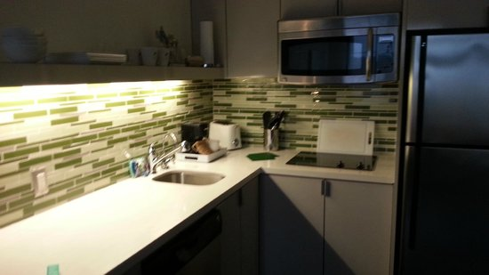 Element by Westin Houston Vintage Park: Great Little Kitchen with eveything you would need