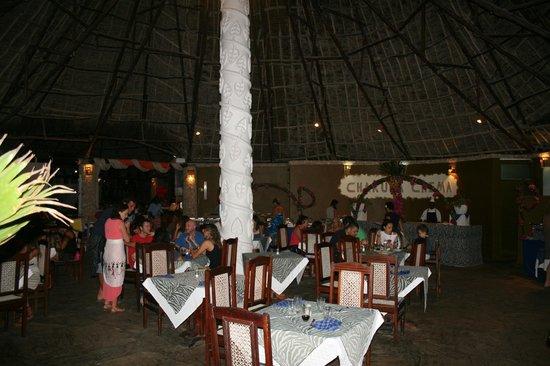 Eden Village Watamu Beach: sala ristorante