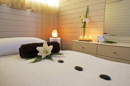 Millennium Hotel Rotorua: Harekeke Therapy Room, The Spa