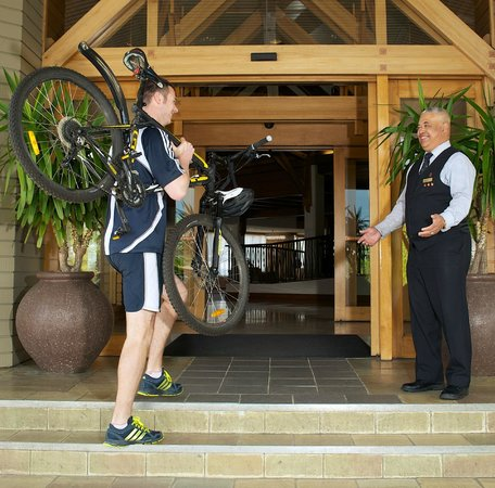 Millennium Hotel Rotorua: Mountain Bike Facilities, storeage, cleaning
