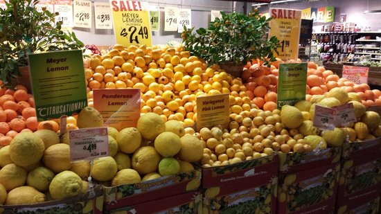 Central Market: Magnifique rayon de fruits