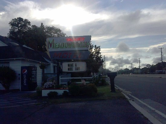 Meadowbrook Motel: Have a Nice Day