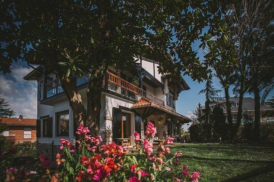 Villa Lorenea: Jardín