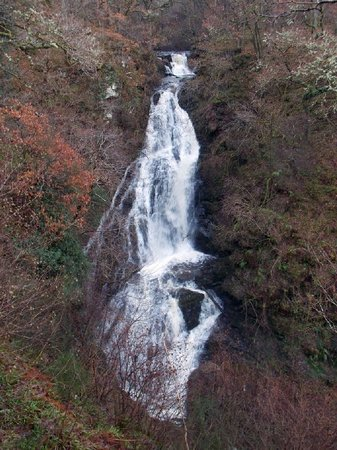 Black Spout Wood: The Black Spout waterfall, from viewpoint platform