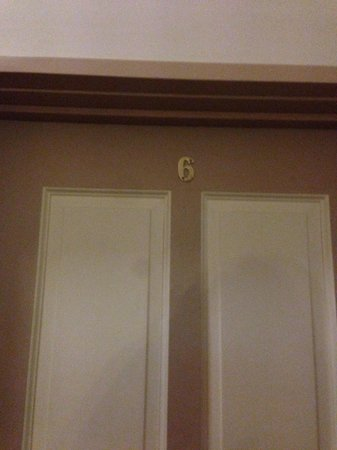 Macquarie Manor: Beware of Room 6