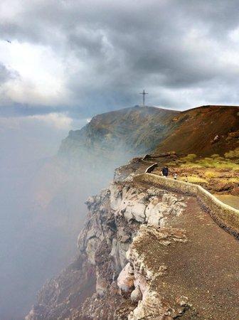 Hacienda Puerta Del Cielo Eco Spa: Mombacho Volcano. Looking into the devil's mouth