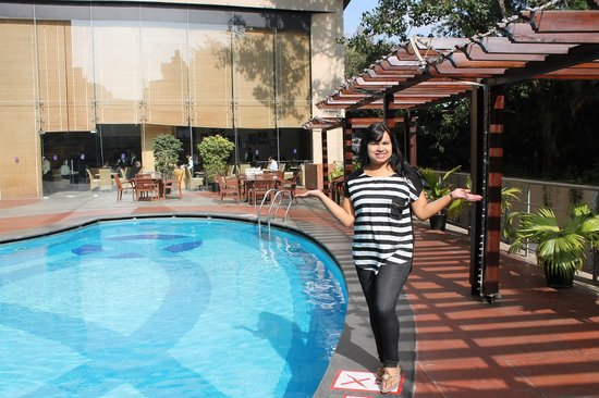 The Chancery Pavilion: Beauiful pool & resturant
