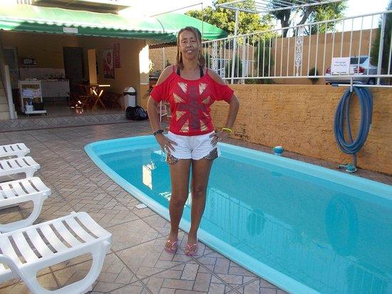 Pousada Caroline: piscina