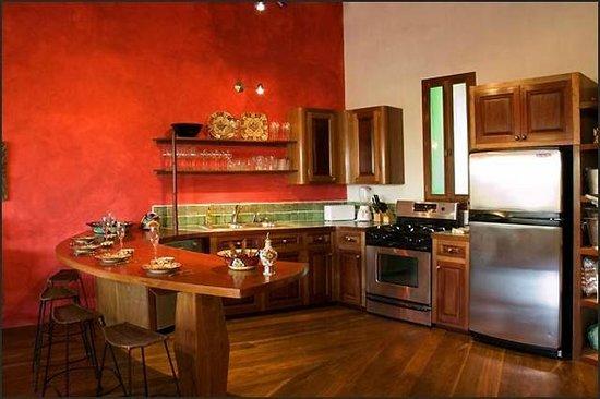 La Perla Del Caribe: Kitchen