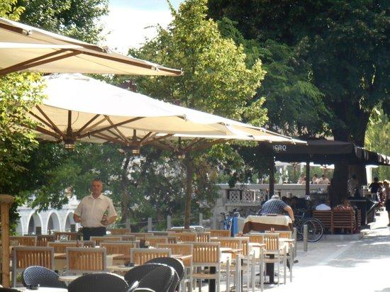 Hotel Lev Ljubljana: Cacao at the far right
