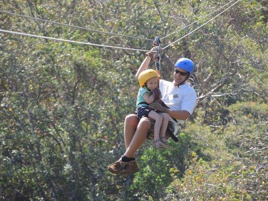 Adventours Costa Rica: Jonas Taking our daughter Zip-lining.