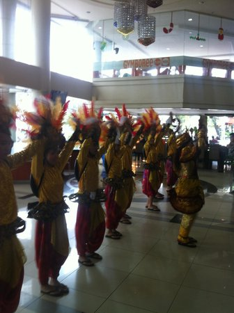 Cebu Parklane International Hotel: Sinulog in parklane